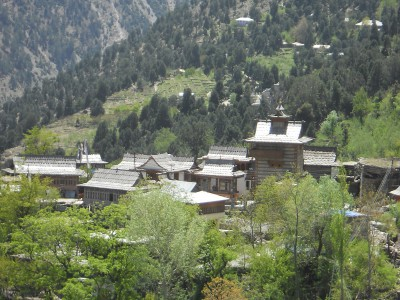 kinnaur and lahaul spiti tour package in green season.